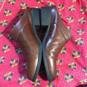 Ariat Shoes - ARIAT slip on boots Pebbled dark brown leather